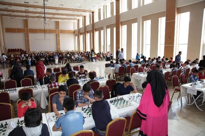 Kedem Satranç Turnuvası'nda Stratejiler Konuştu