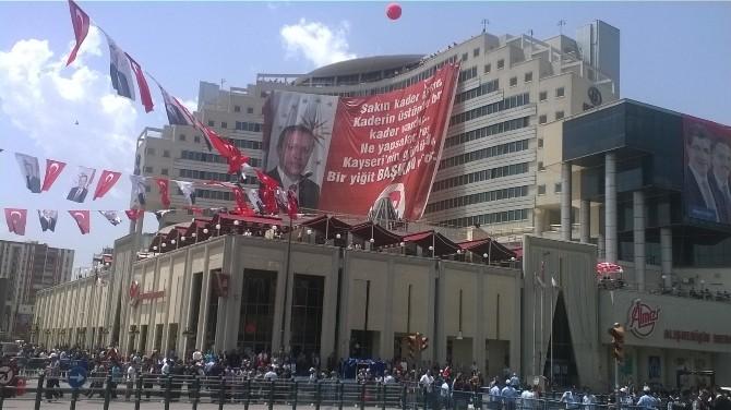Cumhurbaşkanı İçin Bin Metrekarelik Pankart Hazırladılar