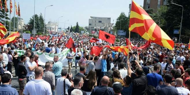 Makedonya'da büyük gösteri