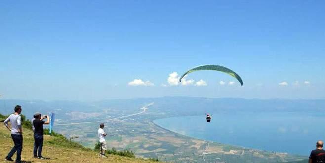 Orhangazi'de yamaç paraşütü heyecanı!