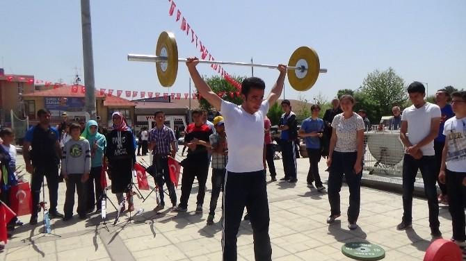 Erzincan'da 19 Mayıs Töreni