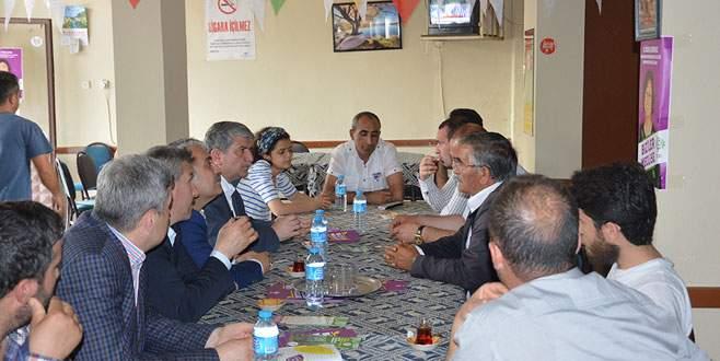 AK Parti'den HDP'ye geçmiş olsun ziyareti
