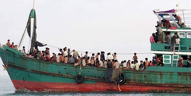 Denizin ortasında 40 gündür yaşam mücadelesi veriyorlar