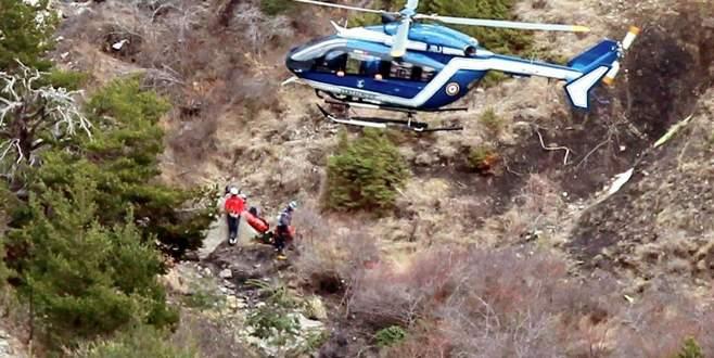 Uçak kazasında ölenlerin kimlikleri tespit edildi