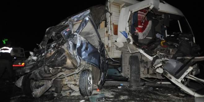 Bursa'da kazada can pazarı: 1'i ağır 3 yaralı