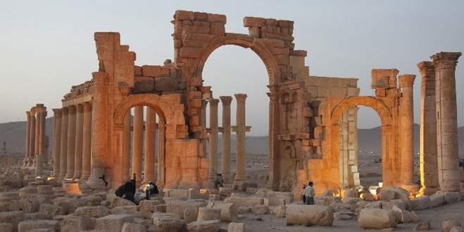 IŞİD antik kenti de ele geçirdi