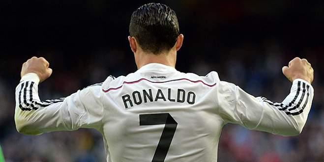 """Ronaldo """"Altın Ayakkabı""""ya koşuyor"""