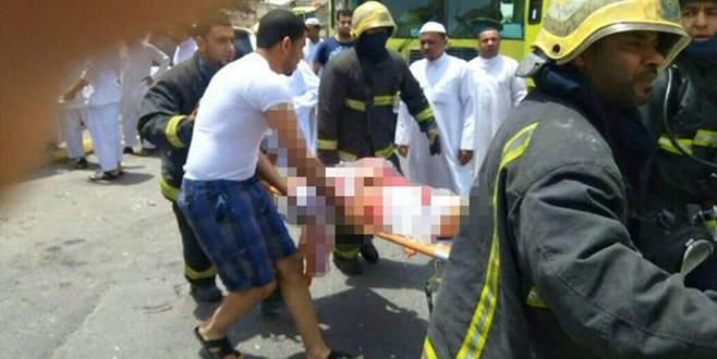 Camiye intihar saldırısı: Çok sayıda ölü var