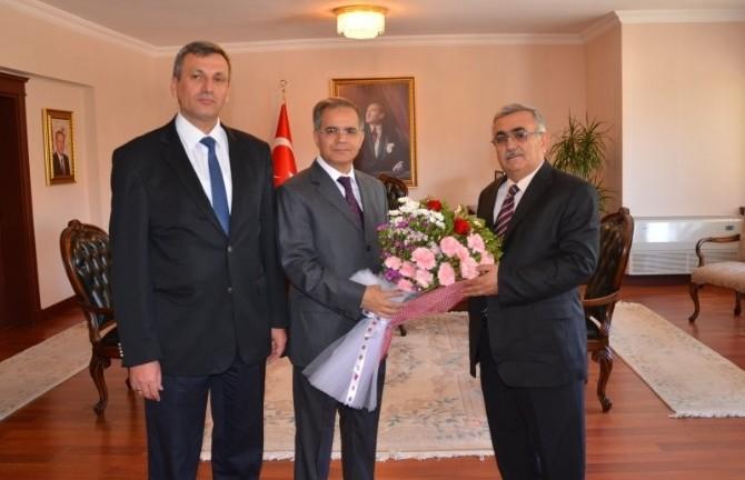 Tapu Ve Kadastro Çalışanları Vali Tapsız'ı Ziyaret Etti