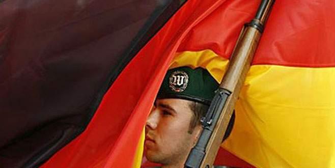 Alman ordusu imam arıyor