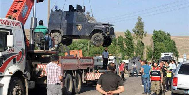 Zırhlı araç şarampole yuvarlandı: 4 polis yaralı