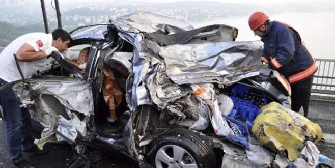 Derbi yolunda korkunç kaza: 1 ölü,4 yaralı