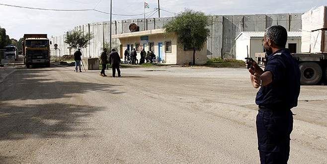 İsrail Gazze'nin tek ticari sınır kapısını kapattı