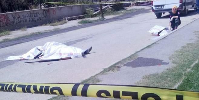 Eşini sokakta öldürüp, intihar etti!