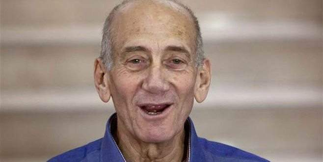 Ehud Olmert'e 8 ay hapis