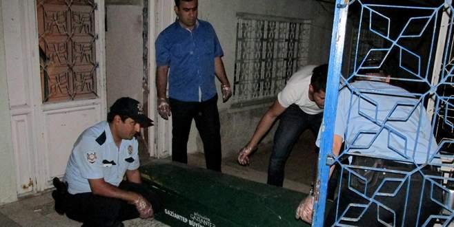 Öğrenci evinde korkunç olay: 1 ölü, 2 yaralı