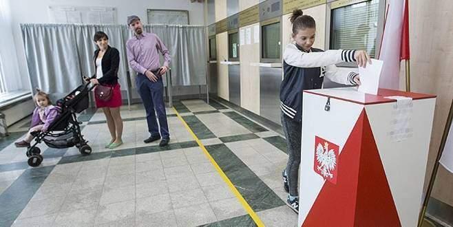 Polonya'nın yeni cumhurbaşkanı Duda oldu