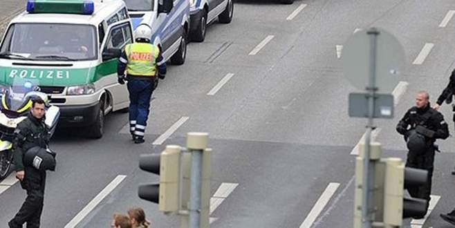 """Köln'de """"bomba tahliyesi"""""""