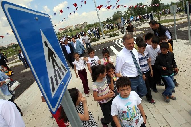 Kazan'da 5'i Bir Yerde Açılış