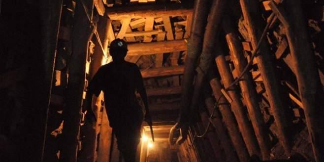 Madende göçük meydana geldi! İşçiler mahsur kaldı!
