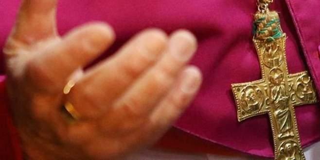 Vatikan'dan eşcinsel evliliğe tepki