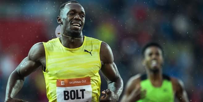 Bolt yine önde