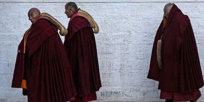 Tibetli anne kendini yaktı