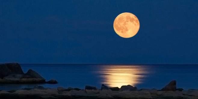 Ay'ın sahibi kim?