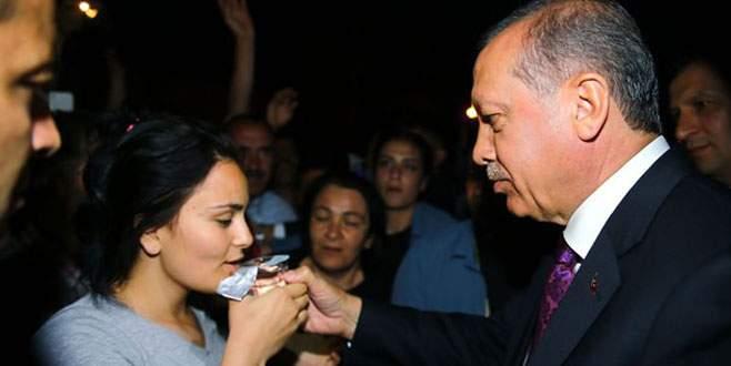 Erdoğan düşen kızı teselli etti