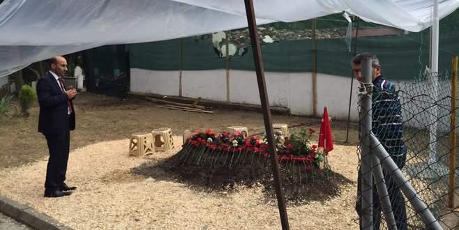 Şehit Başkan Yıldız'ın mezarına ziyaretçi akını