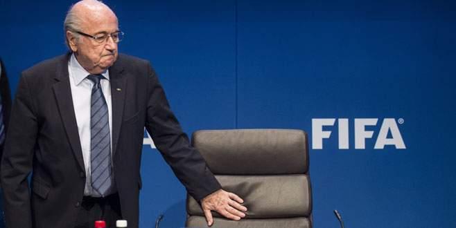 Blatter açtı ağzını yumdu gözünü!
