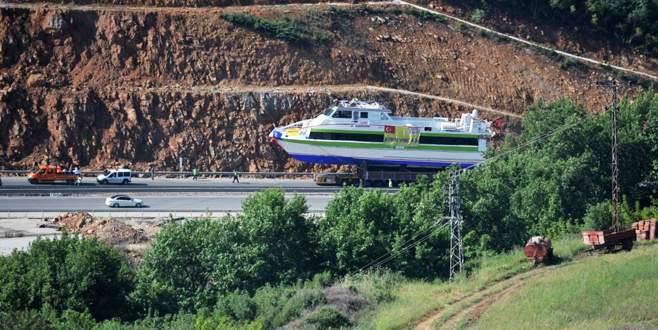 Karayoluyla taşınan en büyük gemi