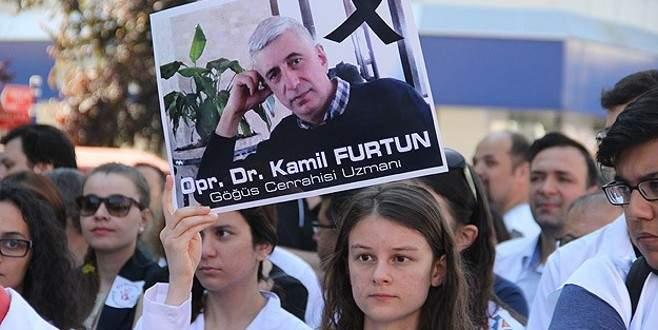 Op. Dr. Furtun'un mesai arkadaşları iş bıraktı