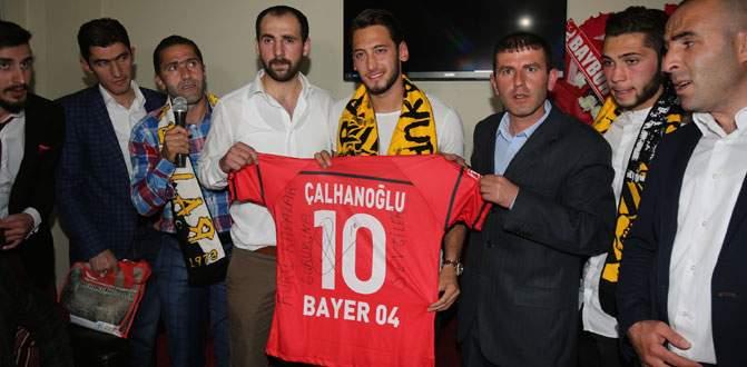 Çalhanoğlu gururlu!