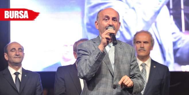 Bakan Müezzinoğlu'ndan miting havasında konuşma