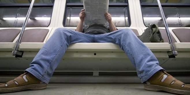 Metroda bu oturuşa gözaltı!