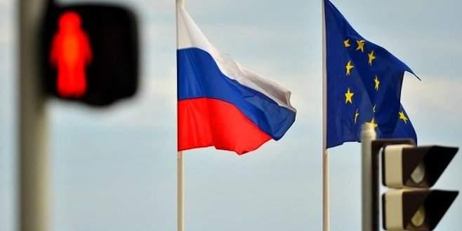 AB'den 2 Rus'a parlamento yasağı