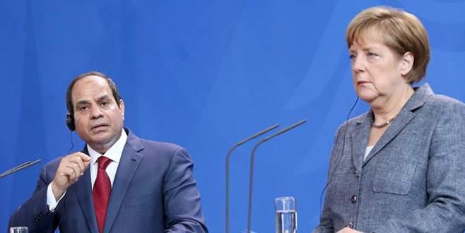 Merkel'den Sisi'ye idam tepkisi