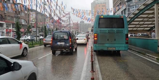 Bursa, yağmura teslim oldu