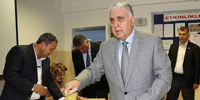 Genelkurmay Başkanı Özel oy kullandı