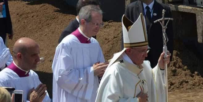 Papa'nın asası kırılınca…