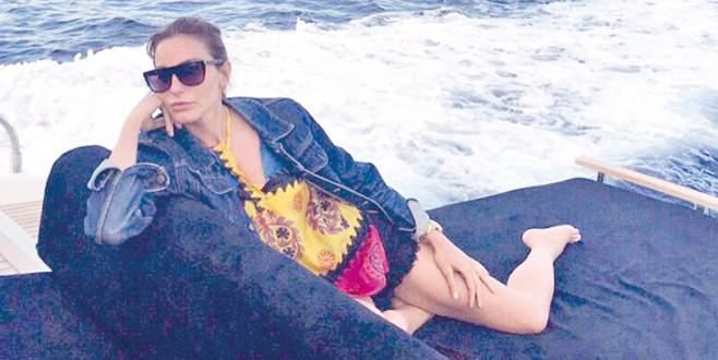 Ece'nin Ibiza çıkarması
