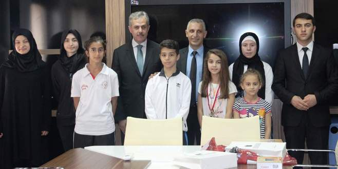 Bursa'da başarılı öğrenciler ödüllendirildi