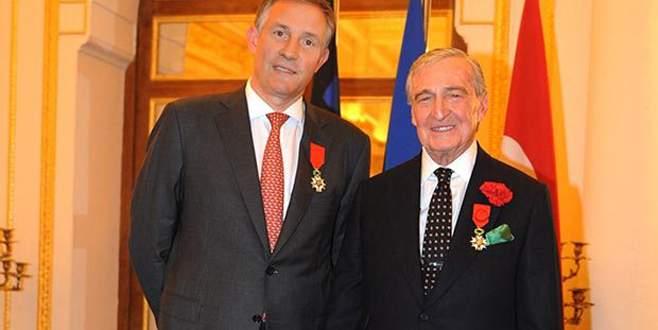 Rahmi Koç'a Legion D'Honneur nişanı verildi