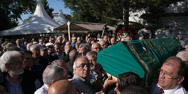 Simavi'nin cenazesi toprağa verildi