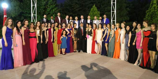 Uludağ Üniversitesi'nde mezuniyet heyecanı