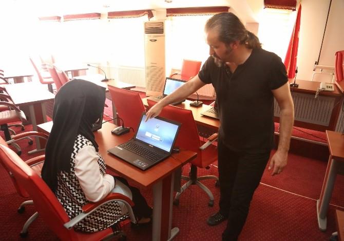 Eyüp Belediyesi Milli İşletim Sistemi Pardus'a Geçiyor