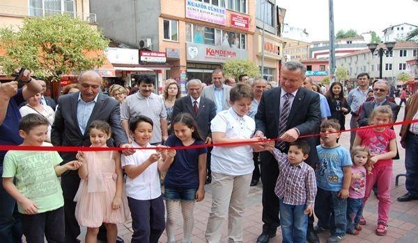 Çaycuma Belediyesi'nden Ebru Sergisi
