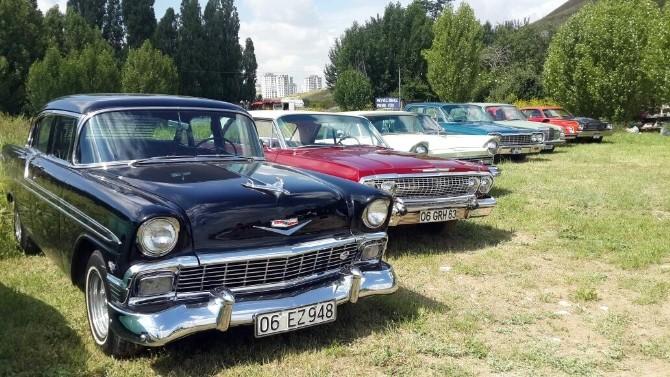 Klasik Otomobil Sevdalıları Piknikte Buluştu