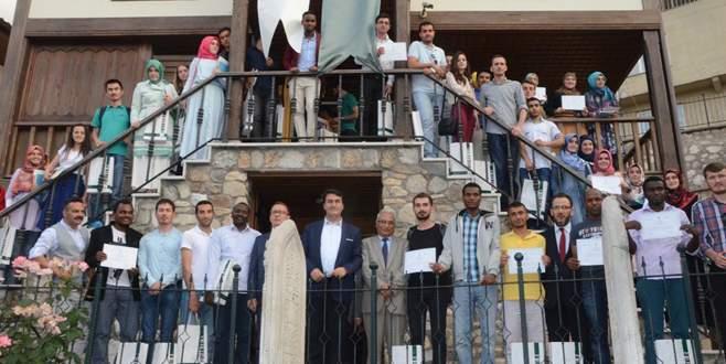 Dündar'dan yabancı öğrencilere diploma